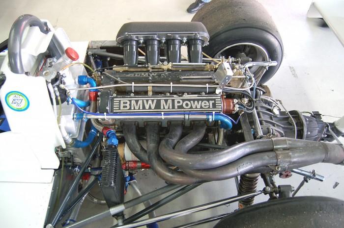 BMW-m12-Engine-700x465