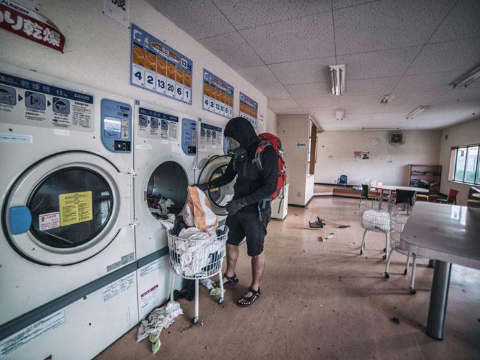 man-sneaks-into-fukushima-exlusion-zone-today-4-696x522